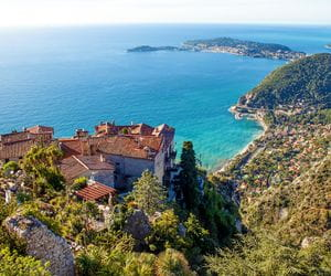 Bergdörfer und tolle Weitblicke auf das Meer beim Wandern an der Côte d'Azur