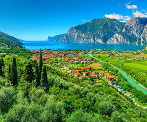 Fascinating hiking view with the lake garda