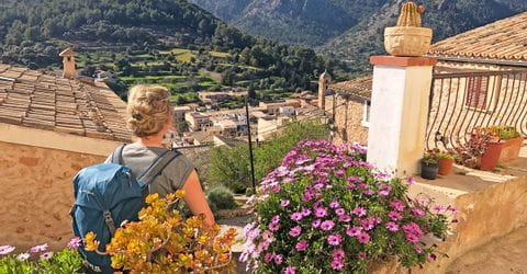 eurohike-wanderreisen-mallorca-bunyola-wanderer-ausblick