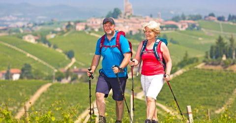 Wandererlebnis rund um das mittelalterliche Dorf Serralunga d'Alba