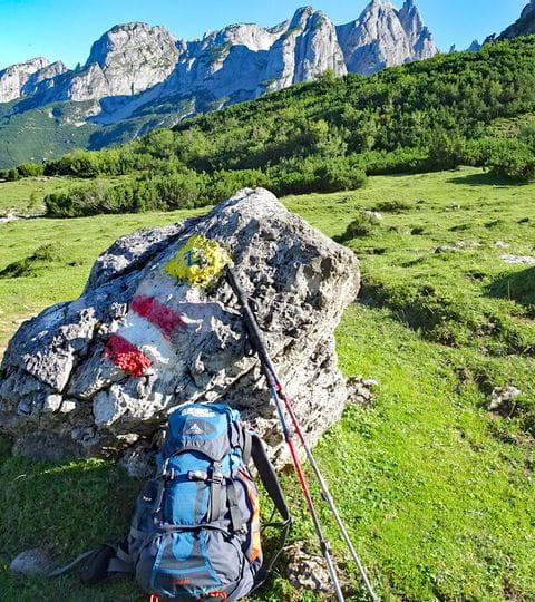 Hiking break at the high altitude trail along Gosaukamm ridge