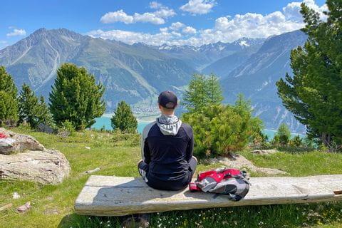 Hiking rest with a view of the Reschensee near Schöneben