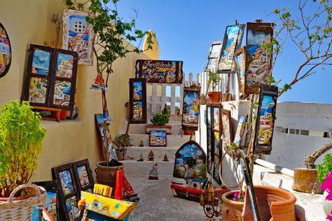 Cultural enjoyment in Santorini