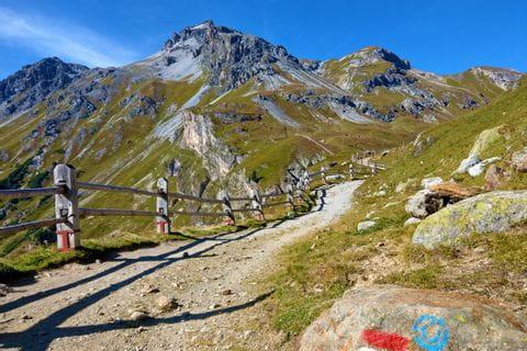 Impressive hiking trail to the Sesvenna Hut