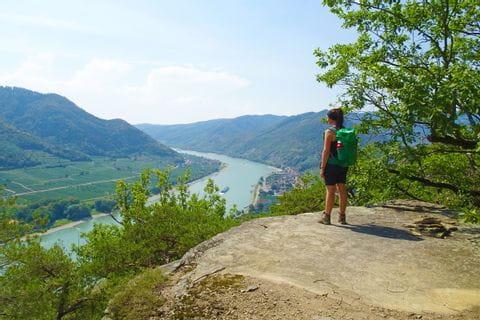 Traumhafte Aussicht auf die blaue Donau
