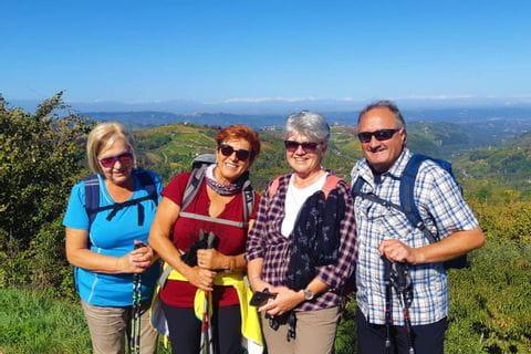 Frau Schreiner und Wanderfreunde im bunten Piemont