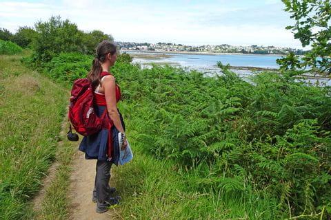 Bretagne Wanderer Ausblick