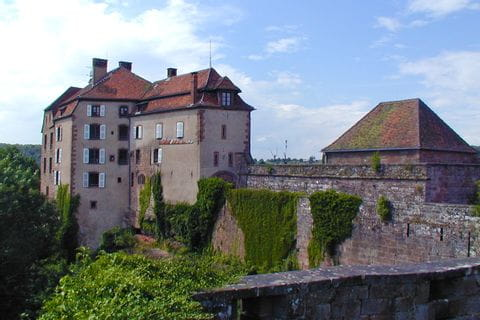 Walking and cultural highlight castles in Alsace