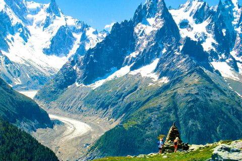 Grand mountain views on the hiking tour at Mont Blanc