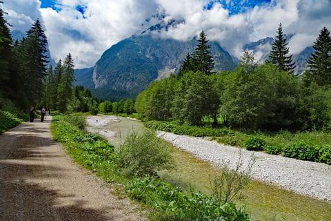 Easily accessible forest roads through the Leutasch Valley along the Leutascher Ache