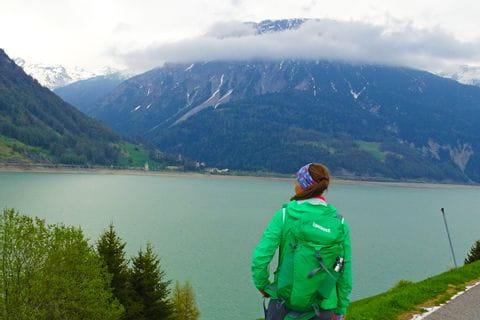 Wanderer mit Bandana in Südtirol