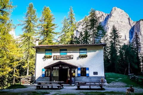 Rifugio Selvata in den Brenta Dolomiten