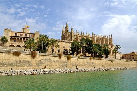 Hiking highlight stunning Cathedral of Palma