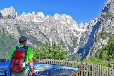 Faszinierendes Wanderpanorama in den Brenta Dolomiten