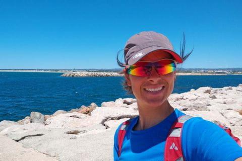 Wanderer an der Algarve-Küste