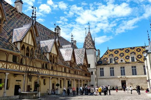 Beautiful city Beaune as starting point for the hiking tour