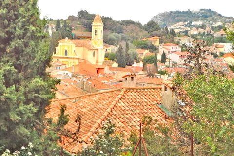 Wanderausblick in die Gemeinde La Turbie
