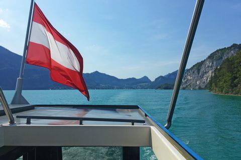 Österreich Flagge am Schiff