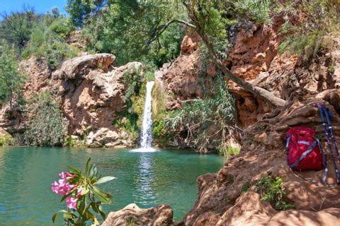 Wanderrast am Wasserfall Pego do Inferno