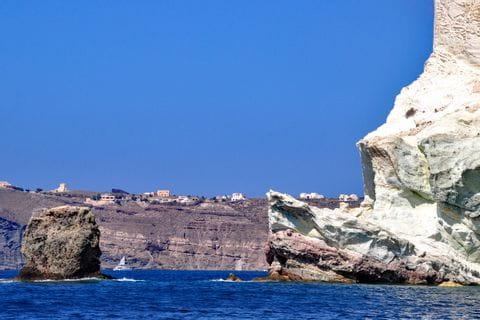 Traumhafter Küstenblick in Santorin