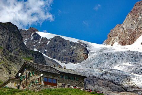 French alpine hut