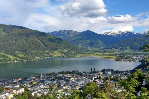 Valley view of Zell am See and the Zeller See