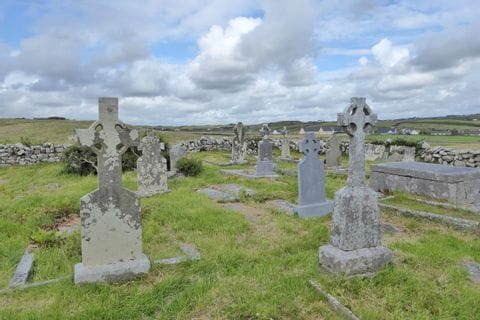 Cemeteries along the hiking routes in Connemara