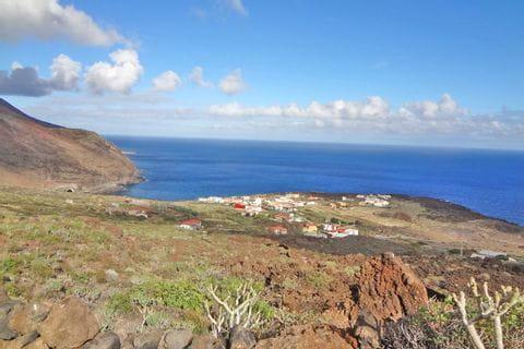 Zauberhafte Küstenblicke - Wandern inmitten Lavafeldern Las Playa