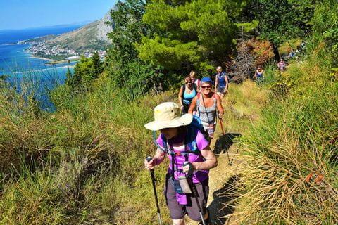 Wanderer auf einer kroatischen Insel