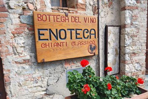 Türschild des Weinkellers für Chianti Classico