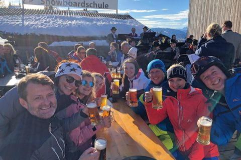 Eurofun-Team auf der Skihütte