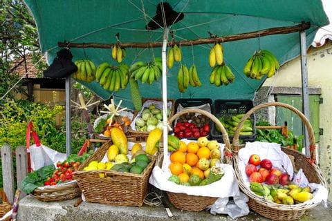 Traditionelles Inselleben und Bergwandergenuss auf Madeira