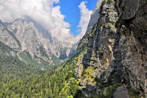 Bergkulisse der Brenta Dolomiten