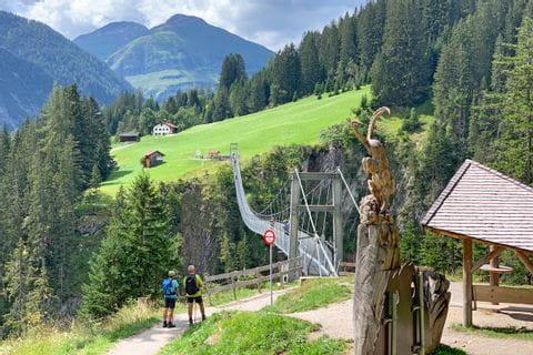Spektakuläre Hängeseilbrücke am Lechweg