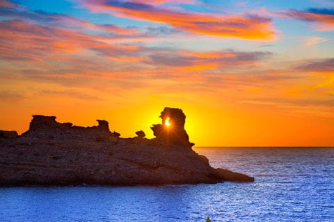 Hiking with a sunset at the Cala Morell
