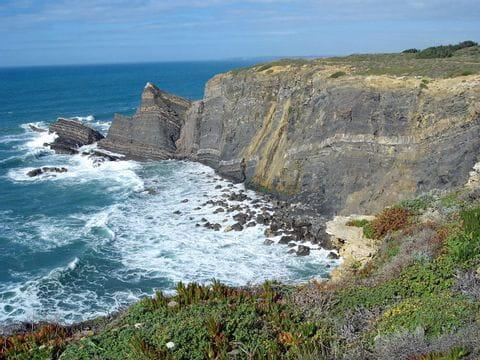 Beeindruckende Küstenpanoramen im Wanderparadies Alentejo