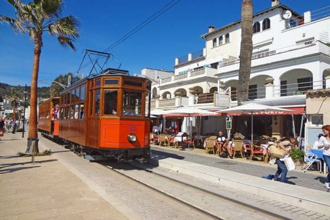 eurohike-walking-tours-mallorca-railway-soller