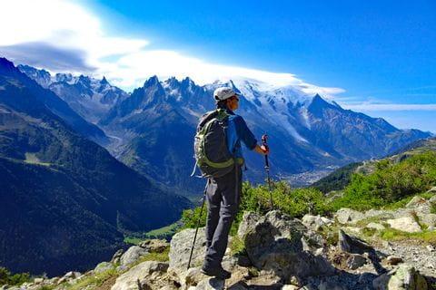 Wanderung mit Blick auf den Mont Blanc