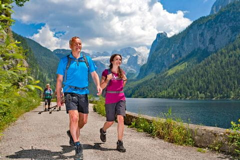 Trekking without luggage at lake Gosausee