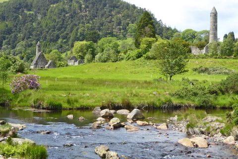 Ruinen der mittelalterlichen Klosterstadt Glendalough