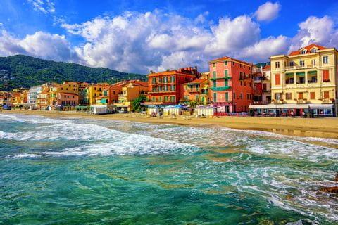Hiking along the coast of Liguria