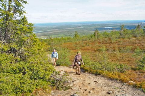 Hiking on the hill Kätkätunturi without luggage