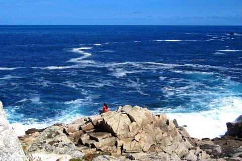 Atemberaubende Küstenblicke auf den Atlantik während der Wandertour