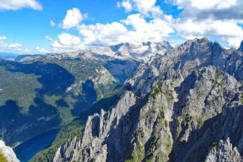 Spectacular summit hiking in the Dachstein area