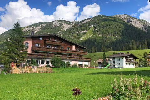 Schöner Berggasthof in Lech am Arlberg