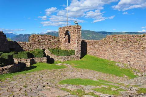 Castle ruin in Hocheppan
