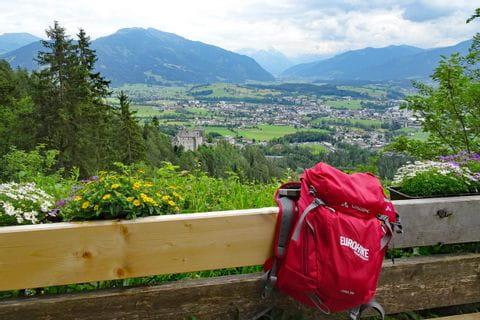 Hiking break at the hermitage with view to Saalfelden