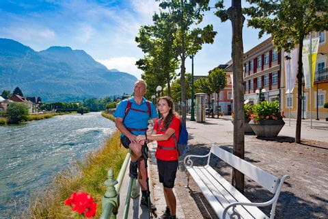 Hiking break at the promenade in Bad Ischl