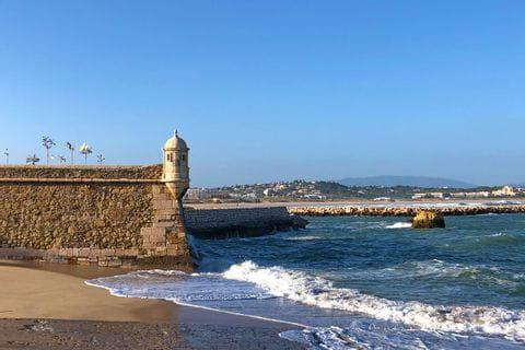 Strandblick beim Küstenwandern an der Algarve