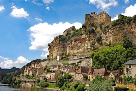 Wanderaussicht zu Reynac